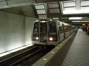 A WMATA 5000-Series train arrives at Anacostia, a station on the Green Line of the Washington Metro. Credit: Ben Shumin via Wikipedia