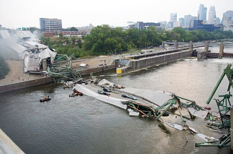 2007 bridge collapse in Minneapolis, Minnesota